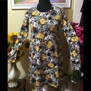 NWT Pinc Small Yellow Roses Dress w/Necklace